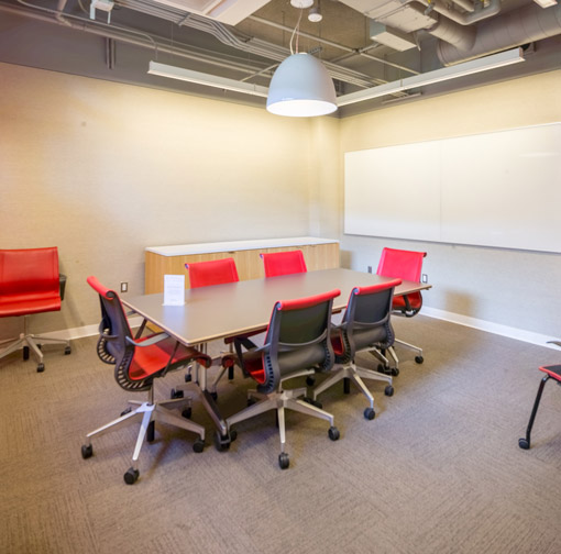 "alt=""Group study room"""